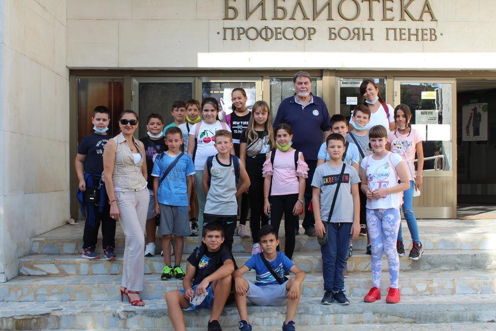 """Ученици от училище """"Иван Сергеевич Тургенев"""" отбелязаха Европейските дни на културното наследство - голяма снимка"""